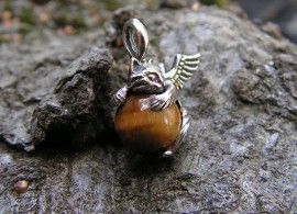 ANGEL KITTY PENDANT WITH TIGER EYE
