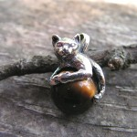 CAT PENDANT WITH TIGER EYE