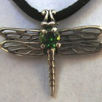 DRAGONFLY PENDANT WITH EMERALD