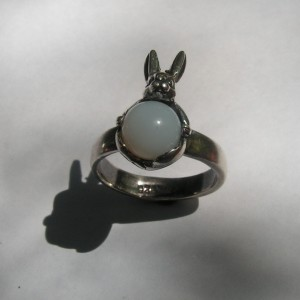 BUNNY RING WITH MOONSTONE