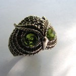 OWL RING WITH PERIDOT EYES
